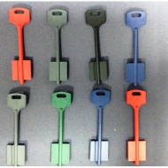 Ключи с рисунками, разноцветные ключи